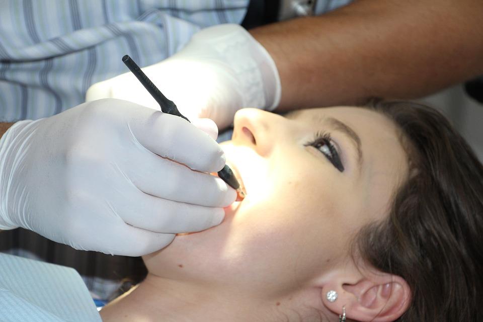 Looking Into Single Dental Implants – Rancho Cucamonga Dentist