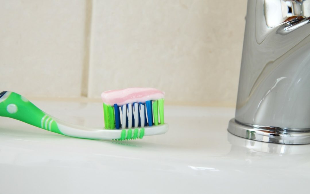 What Comes First? Flossing or Brushing?